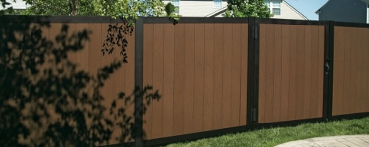 Sequoia Vinyl Fence